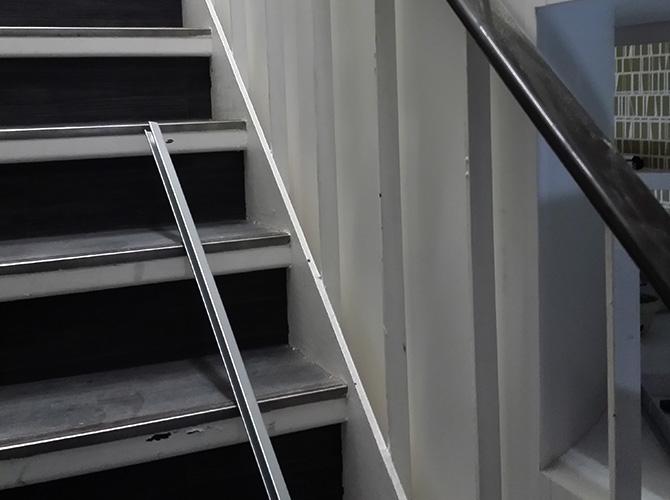 東京都中央区日本橋店舗の鉄部塗装工事の施工前