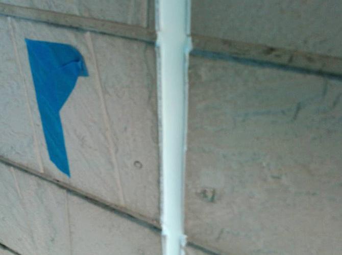 外壁目地のシール工事完了後