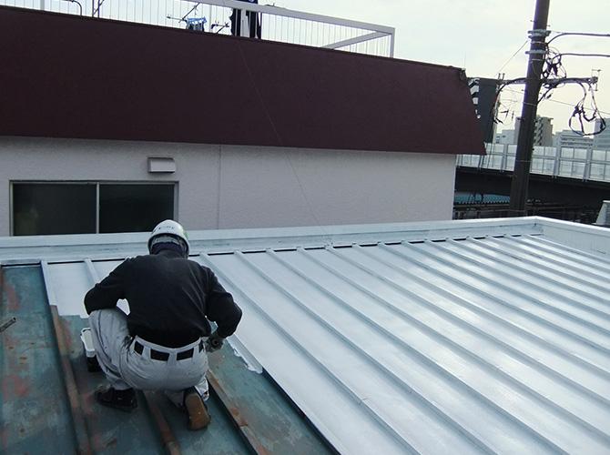 屋根のサビ止め塗装
