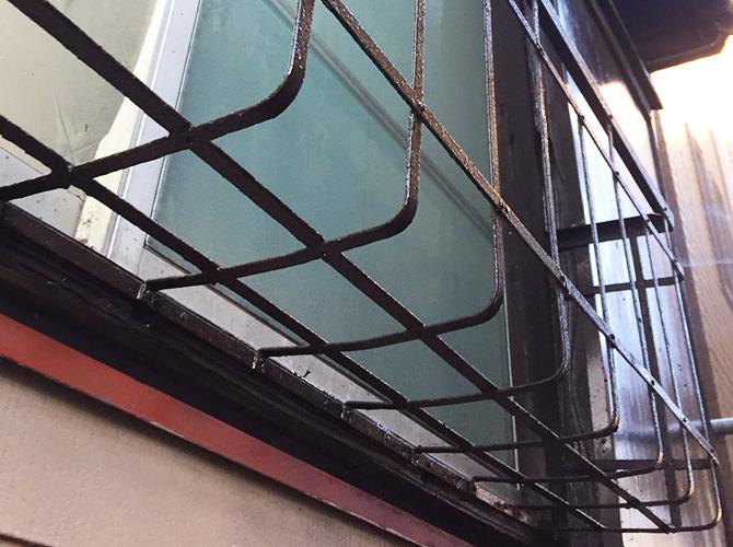 窓手摺の塗装完了