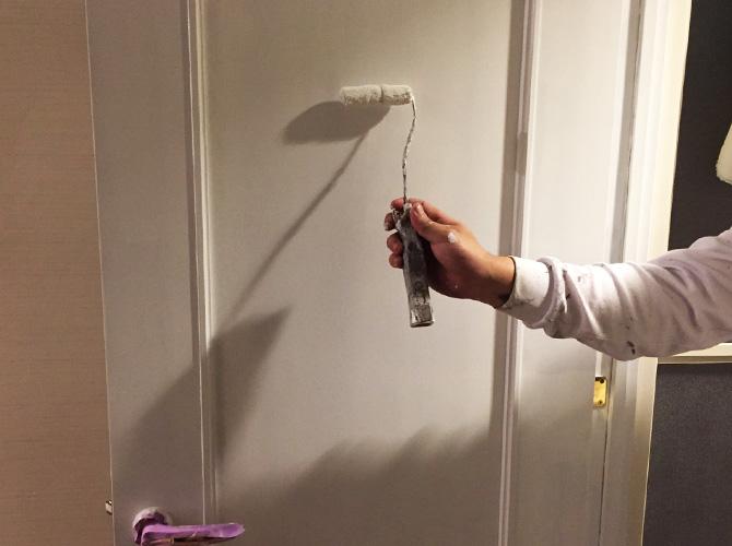 ドア塗装の上塗り