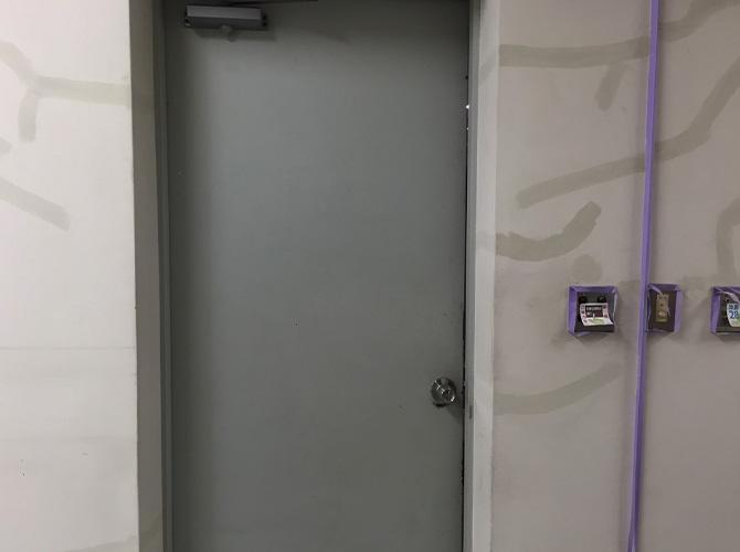 東京都渋谷区大学キャンパス内の内装塗装工事の施工前