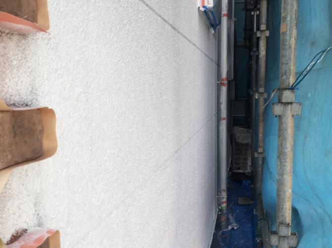 横須賀市住宅の外壁塗装の下塗り完了後のようす