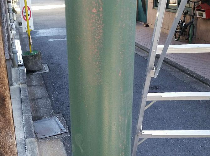 東京都中野区商店街の街路灯塗装工事の施工前