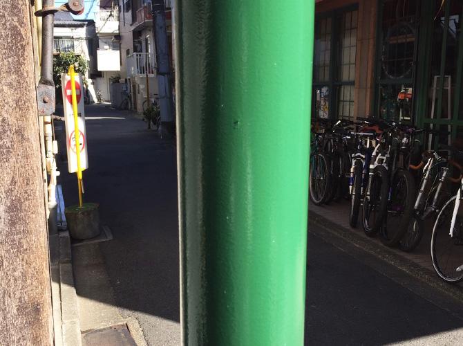 東京都中野区商店街の街路灯塗装工事の施工後