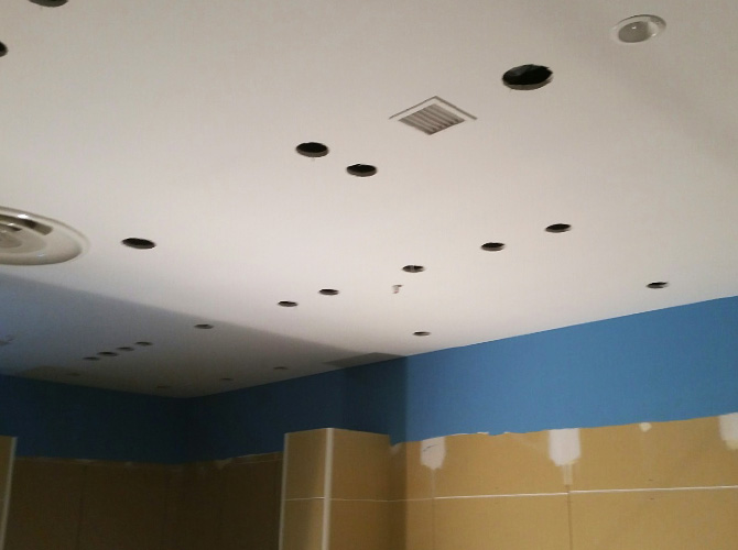 豊島区店舗の天井内装塗装の完了後