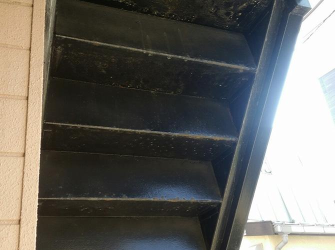 神奈川県横浜市アパートの鉄骨階段サビ止め塗装工事の施工前