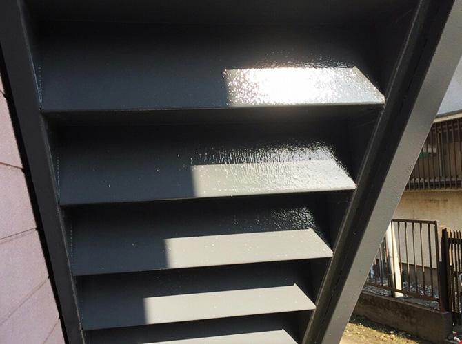 神奈川県横浜市アパートの鉄骨階段サビ止め塗装工事の施工後