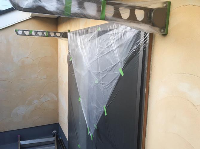 窓まわりなどの養生の設置