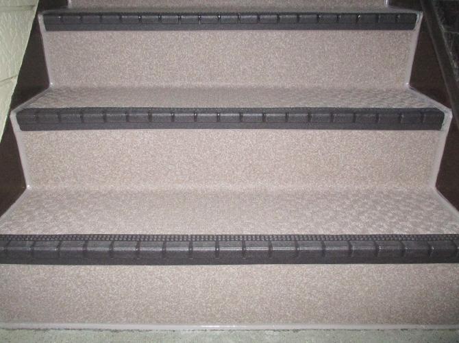 東京都練馬区アパートの階段・廊下長尺シート工事の施工後