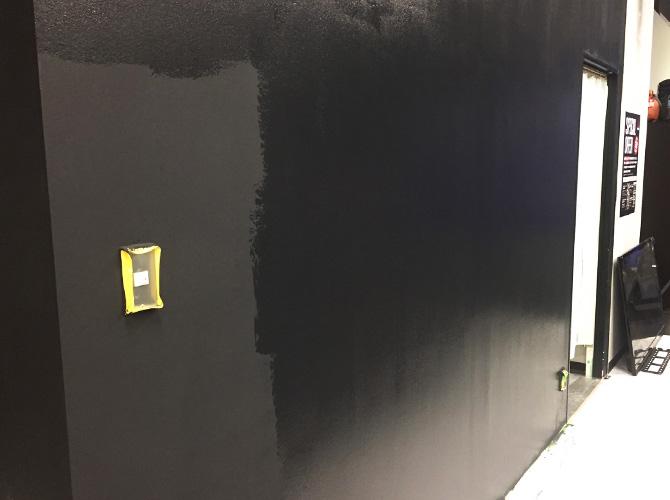 壁の上塗り