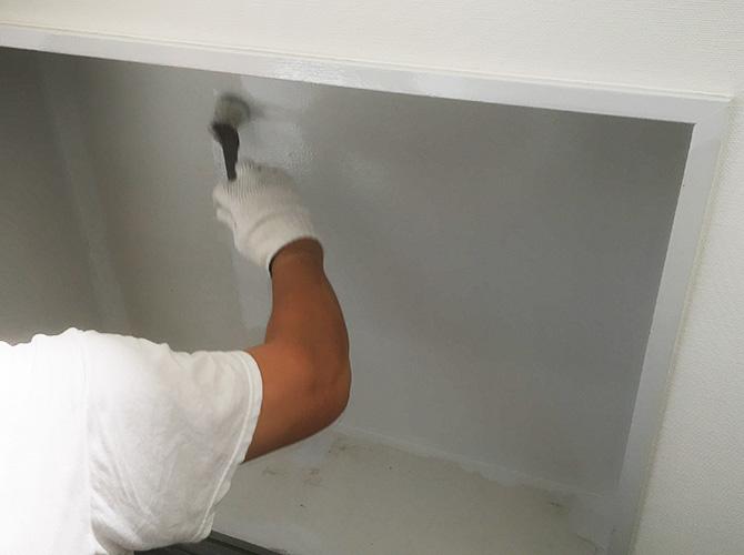 内部塗装施工中