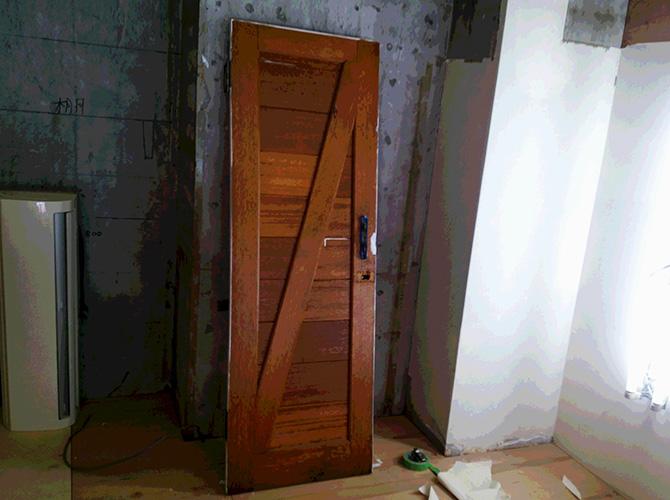 ドアの塗装前