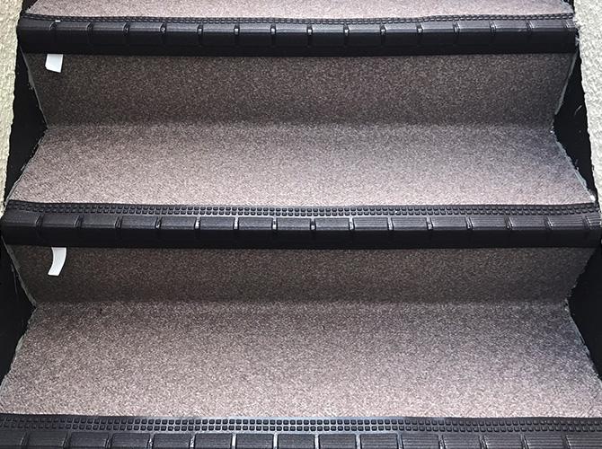 埼玉県川口市戸建住宅の外階段長尺シート工事の施工後