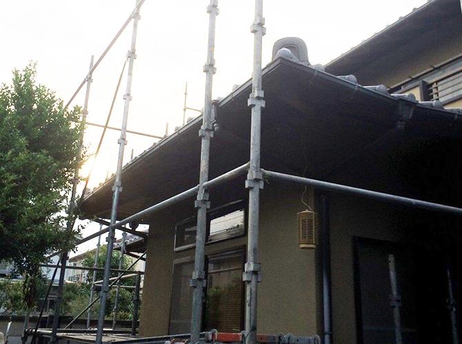外壁塗装の際に足場の設置は必要です。