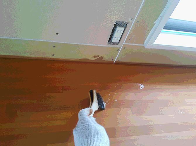 木部の刷毛塗装