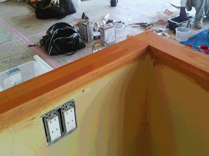 木部の塗装中
