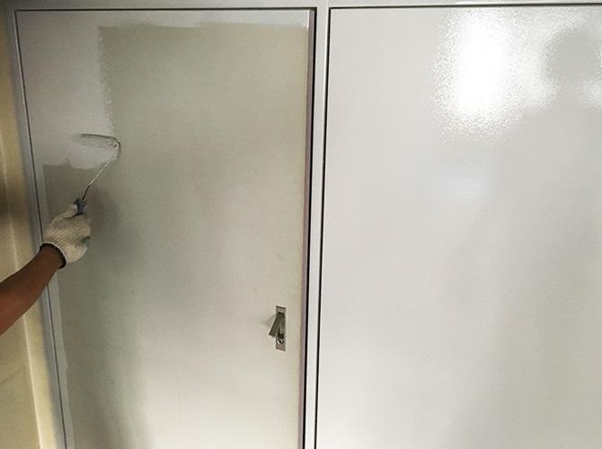 鉄扉の塗装