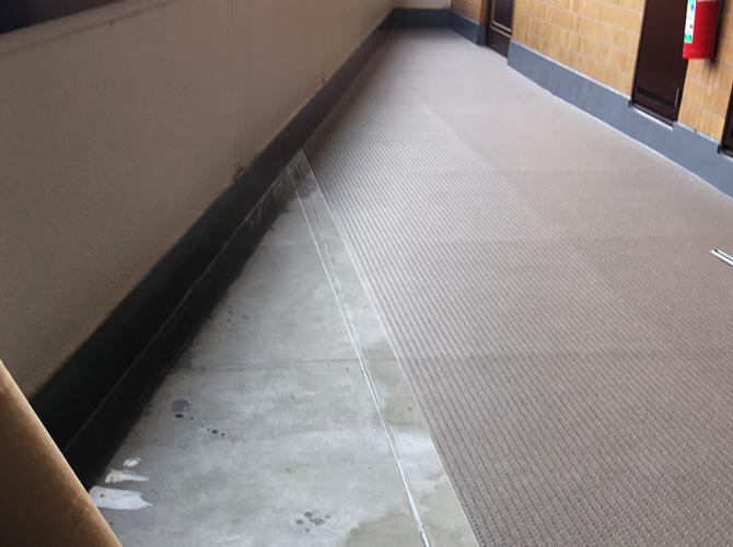 埼玉県草加市アパートの階段・廊下長尺シート工事の施工後