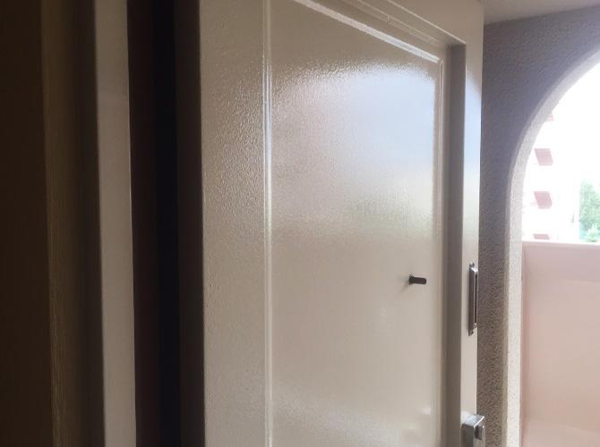 さいたま市浦和区マンションの鉄扉サビ止め塗装工事の施工後