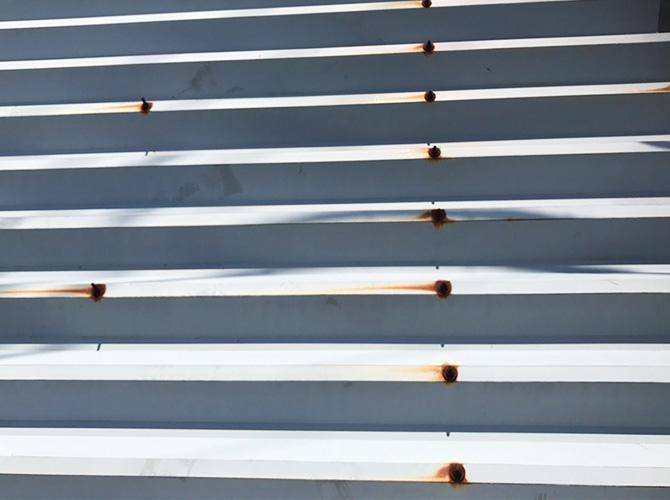 神奈川県横浜市幼稚園の折板屋根塗装工事の施工前