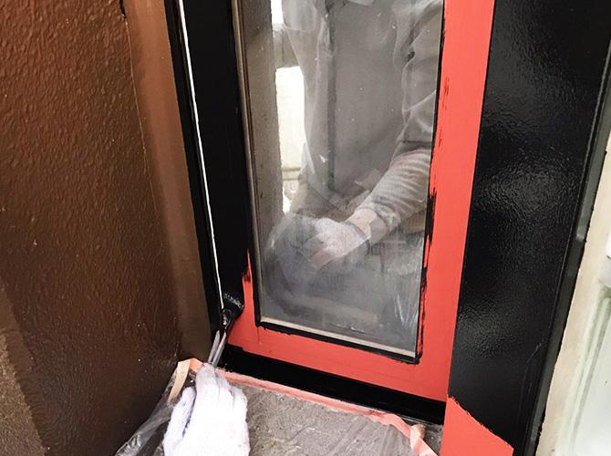 窓まわりの塗装