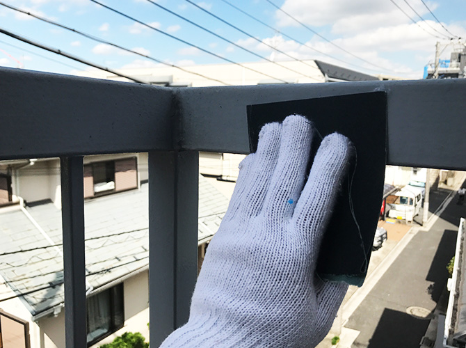 東京都世田谷区マンションの鉄骨階段サビ止め塗装工事の施工前
