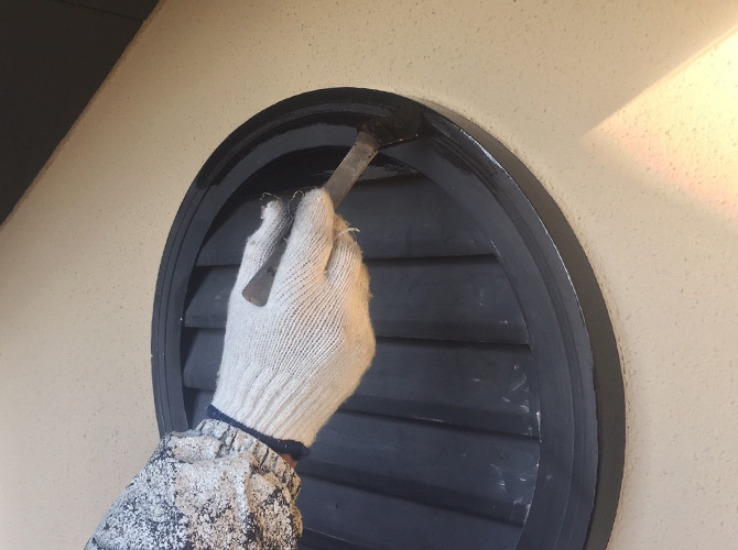換気フードの塗装