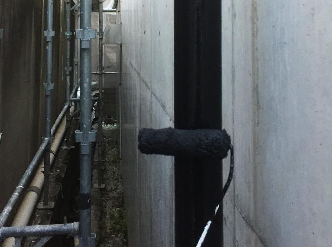 雨樋の上塗り