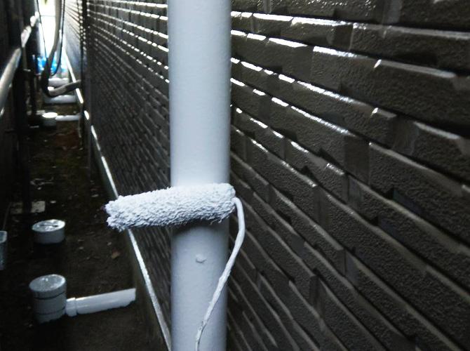 雨樋塗装の上塗り