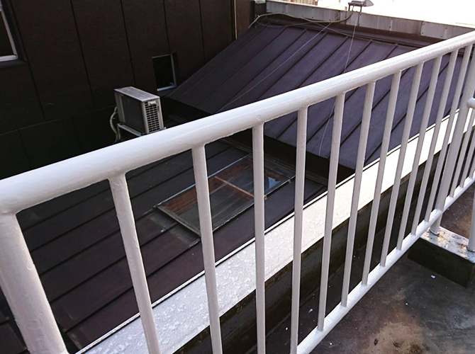 東京都豊島区商業ビルの鉄部サビ止め塗装工事の施工後