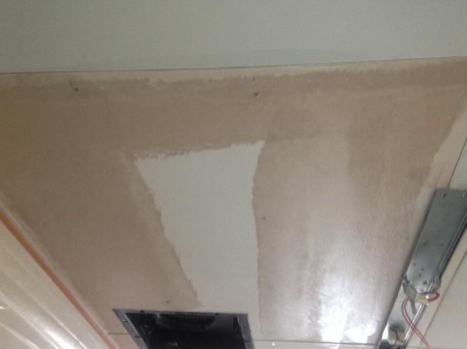 千葉県松戸市ビルの天井塗装工事の施工前