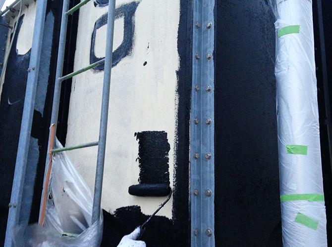 工場外壁塗装の下塗り