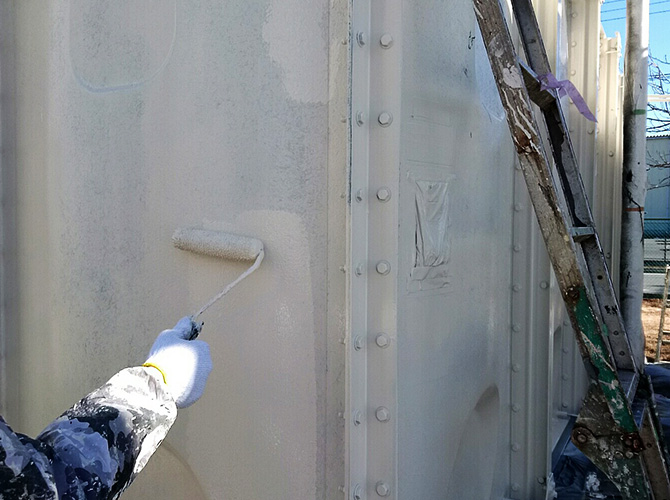 工場塗装の上塗り