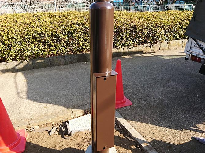 東京都武蔵野市公園の街路灯塗装工事の施工後