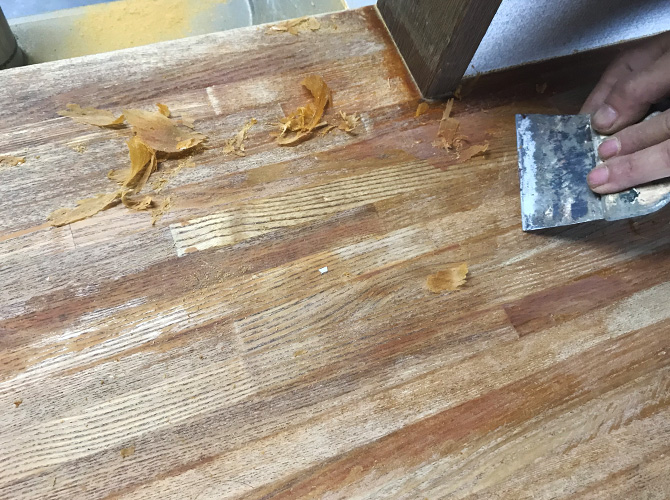 東京都荒川区マンションの木部塗装工事の施工前