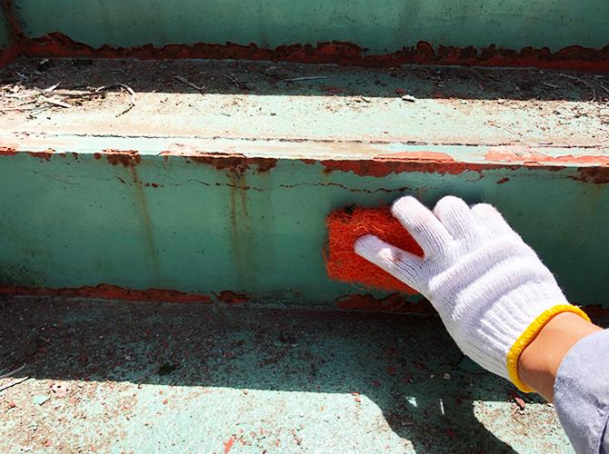 東京都目黒区マンション鉄骨階段など鉄部サビ止め塗装工事の施工前