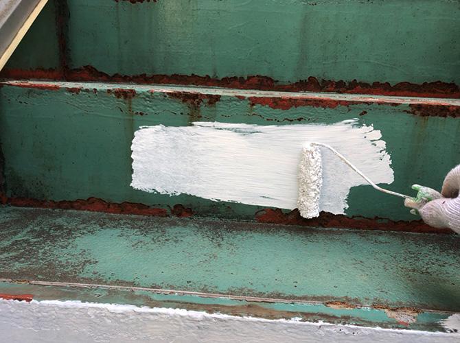 階段塗装のサビ止め