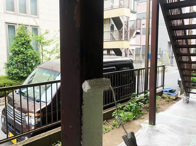 鉄柱のサビ止め塗装