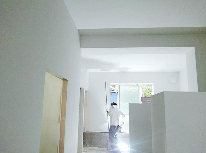 店舗の内部塗装