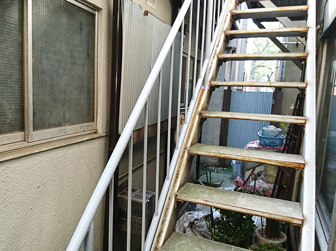 東京都墨田区アパート鉄骨階段のサビ止め塗装工事の施工後