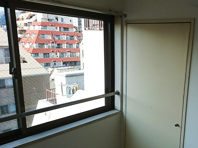 窓・ドア塗装の施工前