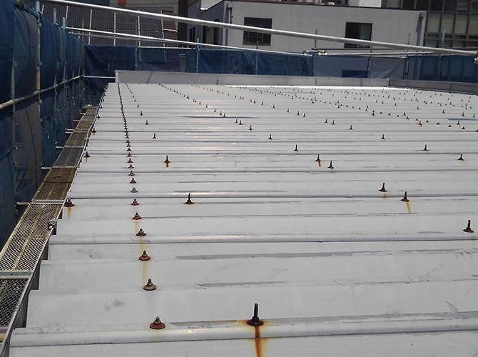 折板屋根の塗装前