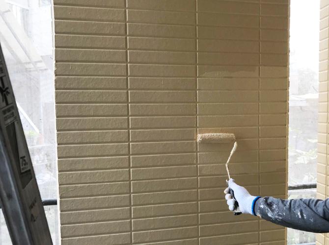 外壁サイディング塗装の上塗り