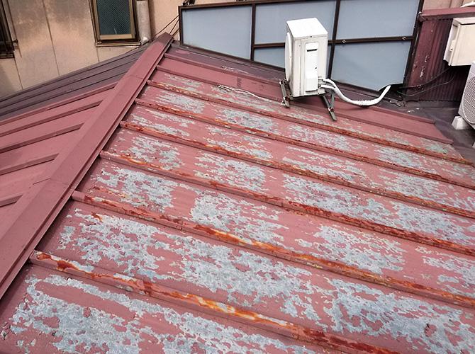 東京都台東区店舗トタン屋根の塗装工事の施工前