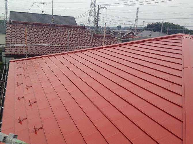 屋根塗装の施工完了の状態です。