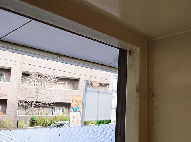 ドア枠塗装の施工前