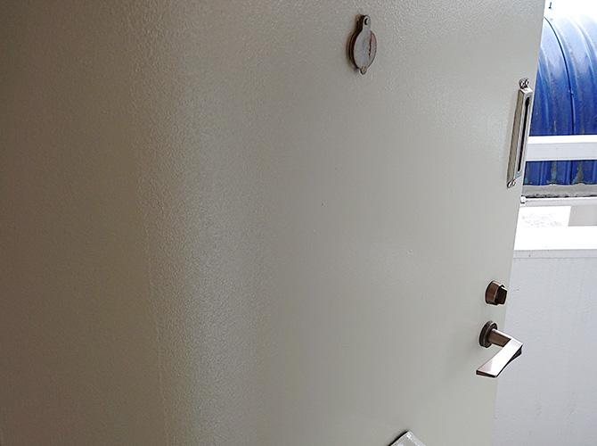 玄関ドアの塗装後