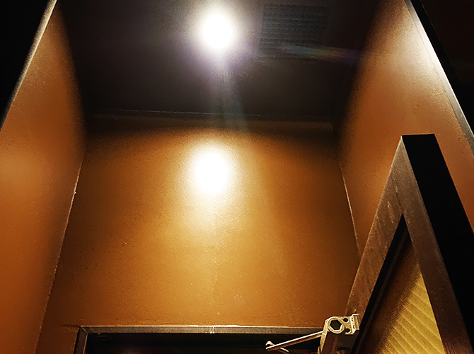 個室前の塗装後