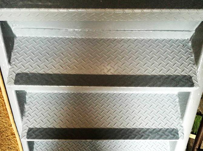東京都板橋区工場兼住宅の鉄骨階段塗装工事の施工後